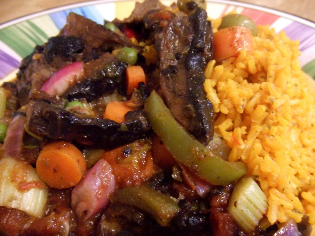 ropa vieja with rice plate