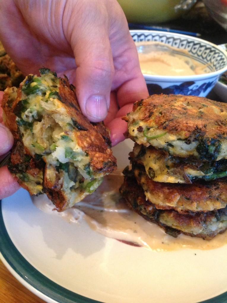 Buñuelos de patata de espinacas con Daiya (41)